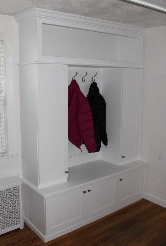 Image of Entryway Bench & Lockers