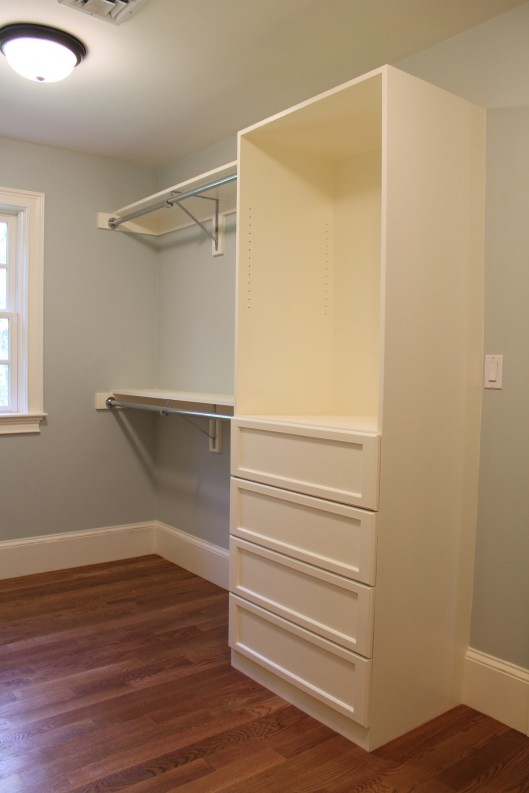 Image of Closet Built In with 4 drawers
